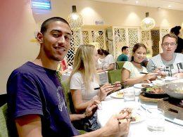 Jantar de quarta-feira para estudantes de Xangai