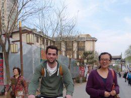 Andando de bicicleta pelas ruas de Chengde