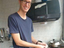 Fazendo bolinhos (饺子) na casa da família de acolhimento