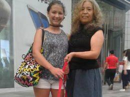 Laodice e sua mãe de acolhimento em Chengde