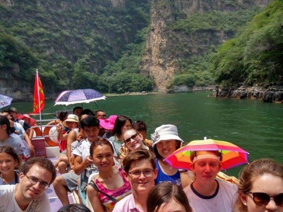 Dia de visita com os Estudantes e Pessoal LTL em Chengde