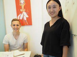 Professora Monica e seu aluno Nicklas na LTL Pequim