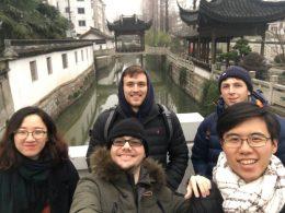 Dia de viagem para a equipe Xangai