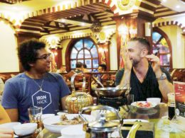 Jantar, bebidas e boa companha pela LTL Xangai