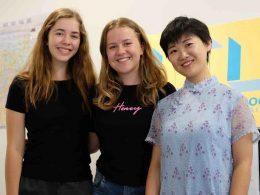 Annabel com a amiga e a Jane da LTL