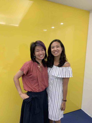 Rachel com sua professora na LTL Taiwan